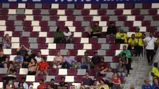 Gradas semivacías durante una prueba femenina de 3.000 metros obstáculos del Mundial de Atletismo 2019, el 27 de septiembre de ese año en el estadio de Doha, en Catar