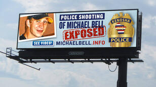 Un panneau publicitaire payé par le père de Michael Bell Jr.
