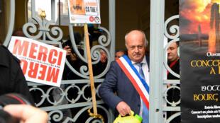 Daniel Cueff, le maire de Langouët, à la sortie du tribunal administratif de Rennes, le 14 octobre 2019.