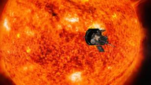 Vision artistique de l'approche du soleil que la sonde Parker Solar Probe va effectuer.