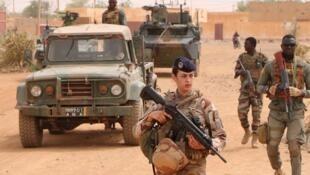 Patrouille-FAMa-Barkhane-à-Gao-1