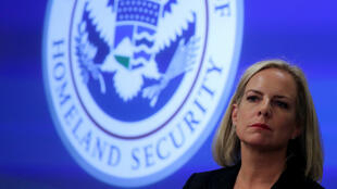 Foto de archivo de Kirstjen Nielsen, exsecretaria de Seguridad Nacional de EE . UU., en una visita al Centro de Operaciones Electorales del Departamento de Seguridad Nacional de EE. UU., en Arlington, Virginia, EE. UU., el 6 de noviembre de 2018.