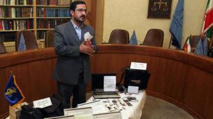 Saïd Mortazavi, ancien procureur général de Téhéran dans son bureau, en 2008.