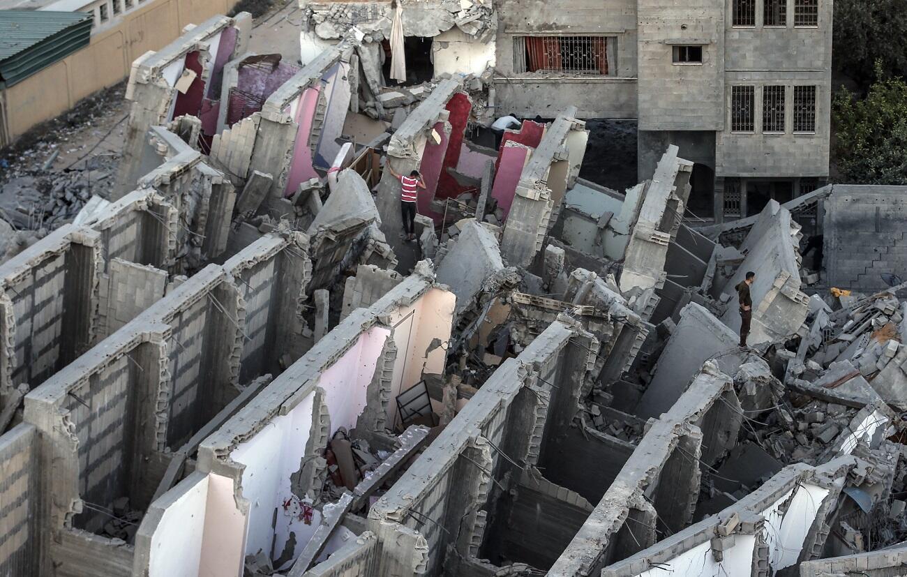 Dimanche 5 mai à Gaza, un bâtiment frappé par un tir israélien.