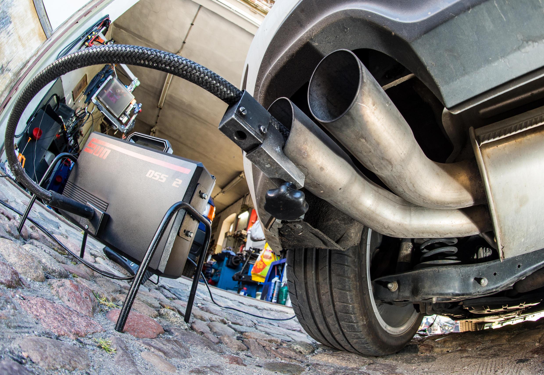 Un test d'émissions polluantes sur un modèle de Volkswagen
