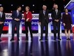 US Democratic debate has all eyes on frontrunner Sanders