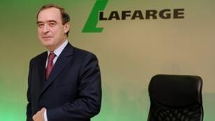 """الرئيس السابق لمجلس إدارة شركة الإسمنت السويسرية الفرنسية """"لافارج هولسيم"""" برونو لافون"""