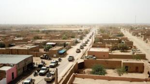 آليات لتنسيقية الحركات الازوادية تجوب شوارع مدينة كيدال في شمال-شرق مالي، 27 أيلول/سبتمبر 2020