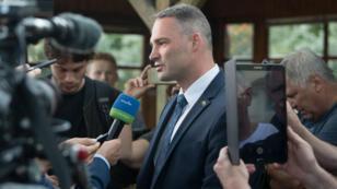 Le candidat du parti d'extrême droite AfD Sebastian Wippel, avant sa défaite, le 16 juin 2019 à Görlitz.