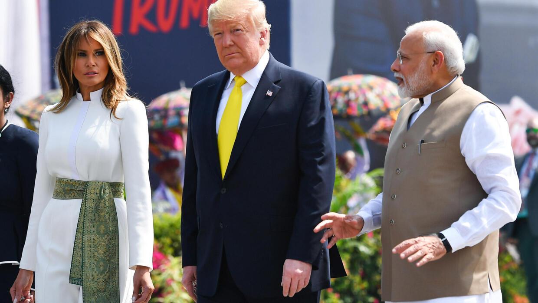 Fastueux accueil en Inde pour Donald Trump, en visite d'État de deux jours