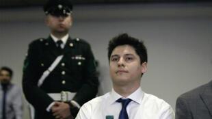 El chileno Nicolás Zepeda, acusado del asesinato de una estudiantes japonesa en diciembre de 2016 en Besançon, Francia, durante una audiencia de extradición el 5 de marzo de 2020 en un tribunal de Santiago