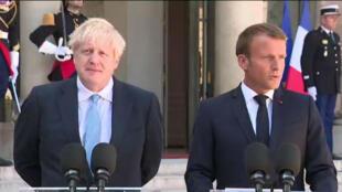 Le président Emmanuel Macron reçoit le Premier ministre britannique Boris Johnson, jeudi 22 août, à Paris.