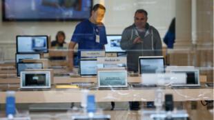 Un Apple Store, à Amsterdam en 2013.