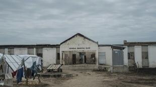 مستشفى مهجور في مخيم للنازحين في ران بشمال شرق نيجيريا في 29 تموز/يوليو 2017