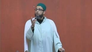 The imam Mohamed Khattabi giving a sermon at the Aïcha Mosque in Montpellier on March 6, 2015