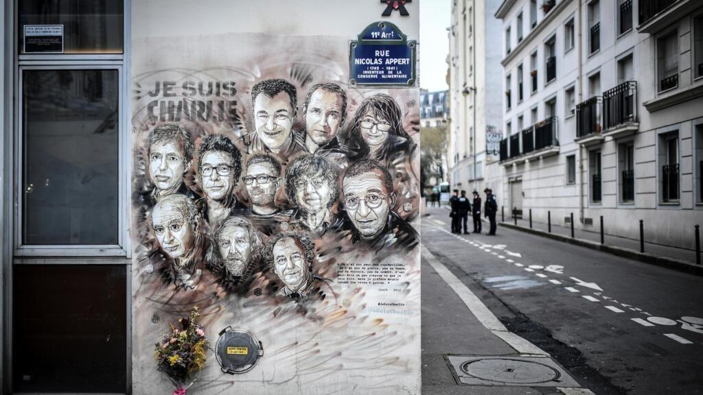 """القضاء الفرنسي يواصل محاكمة المتهمين في اعتداءات باريس 2015 على صحيفة """"شارلي إيبدو"""" الساخرة"""