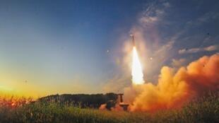 L'armée sud-coréenne a conduit un exercice à munition réelle simulant une attaque sur le polygone de tir nucléaire nord-coréen