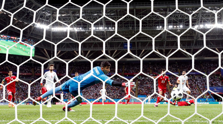 En el minuto 54, Diego Costa anotó el gol de España. Poco tiempo después, el árbitro canceló el gol de empate de Irán.