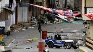 """صورة من مدينة مراوي الفلبينية أثناء سيطرة تنظيم """"الدولة الإسلامية"""" عليها"""