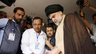 Moqtada al-Sadr le jour du scrutin des législatives, le 12 mai 2018.