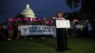 Manifestation de soutien à l'Obamacare devant le Congrès, le 27 juillet.