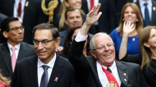 El Presidente de Perú Pedro Pablo Kuczynski y el Vicepresidente Martín Vizcarra (L) en el  Congreso en Lima, Perú 28 de julio de 2017.