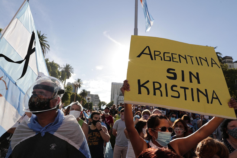 "Argentine ""vaccinations VIP"""