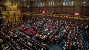 مجلس اللوردات، الغرفة العليا في البرلمان البريطاني ترفض خروجا دون اتفاق من الاتحاد الأوروبي.