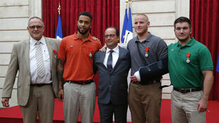 Les Américains Spencer Stone, Anthony Sadler, Alek Skarlatos et le Britannique Chris Norman, à Paris, le 24 août 2015.
