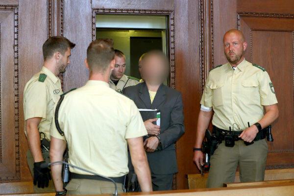 Wolfgang P. arrive au Tribunal, mardi 29 août.