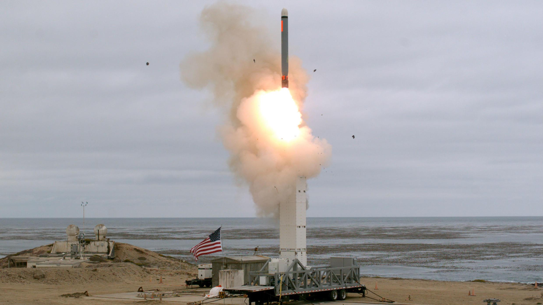 El Departamento de Defensa de EE. UU. realizó una prueba de misil de crucero en la isla de San Nicolás, California, EE. UU., el 18 de agosto de 2019.