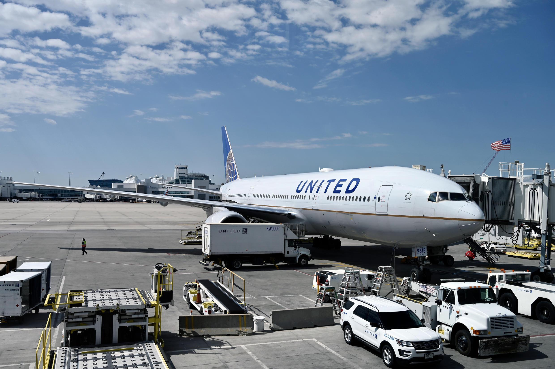 Un Boeing 777/200 de United Airlines à Denver le 30 juillet 2020