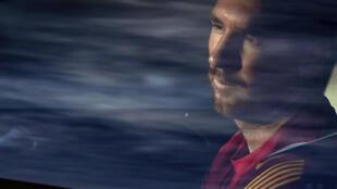 La star du FC Barcelone Lionel Messi à son arrivée au centre d'entraînement Joan Gamper, le 8 septembre 2020