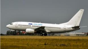 Un avion de la compagnie ASL Airlines à l'aéroport de Lille-Lesquin, en août 2017.