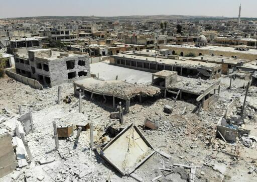 Syria regime forces take full control of key town: monitor