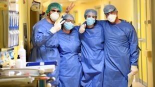 2020-03-27T143624Z_753192356_RC2ESF93G400_RTRMADP_3_HEALTH-CORONAVIRUS-ITALY-HOSPITAL