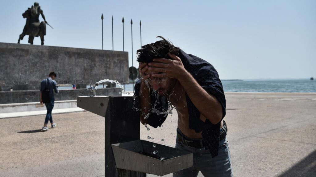 """La Grèce frappée par """"la pire canicule"""" depuis plus de 30 ans, prévient le Premier ministre"""