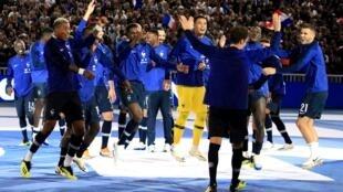 لاعبو منتخب فرنسا يحتفلون بفوزهم بكأس العالم
