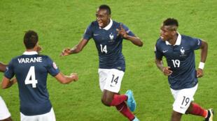 Le milieu de terrain de l'équipe de France Blaise Matuidi contre la Serbie, le 7 septembre 2015, à Bordeaux.