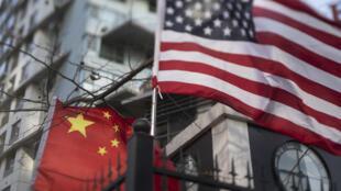 العلمان الصيني والأميركي في بكين بتاريخ 6 كانون الأول/ديسمبر 2018