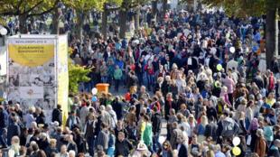 Stuttgart fête la réunification dans la rue, le 3 octobre 2013.