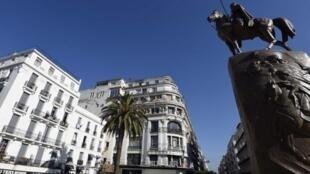 ساحة الأمير عبد القادر وسط العاصمة الجزائرية