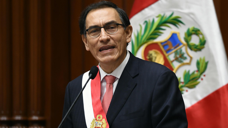El presidente Martín Vizcarra durante su juramentación en el Congreso de Perú, el 23 de marzo de 2018.