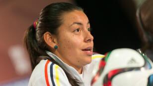 En esta foto de archivo, Yoreli Rincon, futbolista colombiana, habla durante la conferencia de prensa del equipo en la Copa Mundial Femenina de la FIFA en Edmonton, Canadá, el 21 de junio de 2015.