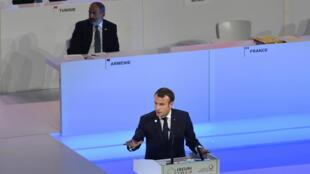 Durante el discurso ofrecido en la 17° cumbre de la Organización Internacional de la Francofonía, Emmanuel Macron, hizo un llamado a reinventar el idioma.   OIF