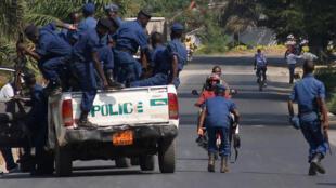 Des forces de l'ordre à Bujumbura, le 6 juillet 2015.