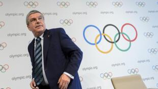 Le président du Comité international olympique Thomas Bach, le 21 juin 2016, après une conférence de presse à Lausanne.