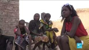 Dans le milieu rural, la pratique de l'excision persiste au nom de la tradition, et ce malgré les efforts des autorités et des associations. Ici, une mère de famille à Tambacounda.