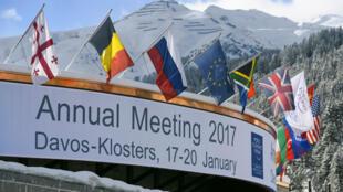 Près de 3 000 dirigeants des milieux économiques et politiques sont réunis à Davos en Suisse pour le Forum économique mondial pendant cinq jours, le 17 janvier 2017.