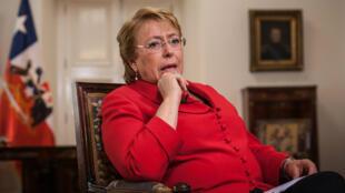 Michelle Bachelet achèvera son deuxième mandat à la tête du Chili en mars 2018.